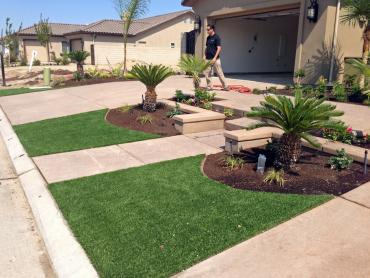 Artificial Grass Photos: Green Lawn Cumberland City, Tennessee Landscaping, Front Yard